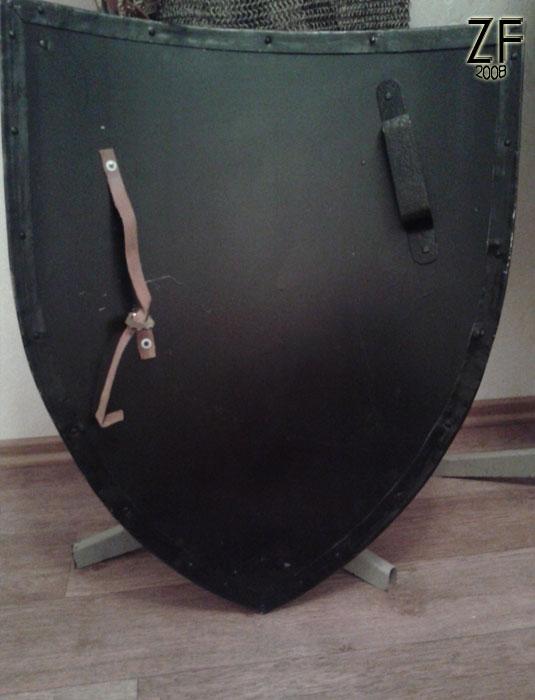 Стальная щит, система удержания щита