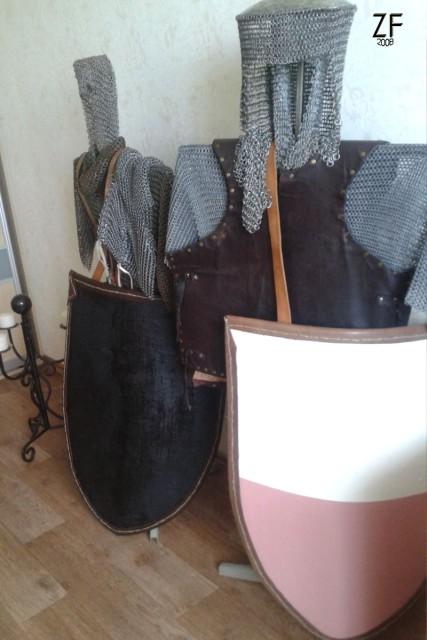 Рыцарские щиты - тарч, с кожаной оконтовкой