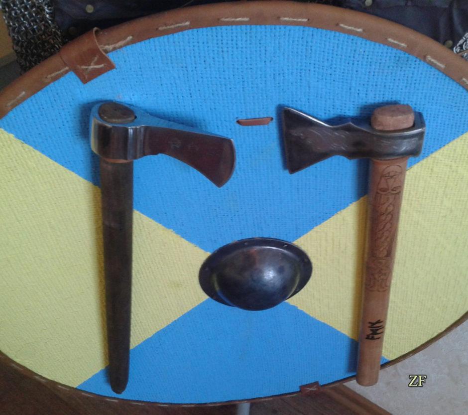 Круглый рыцарский щит для интерьера