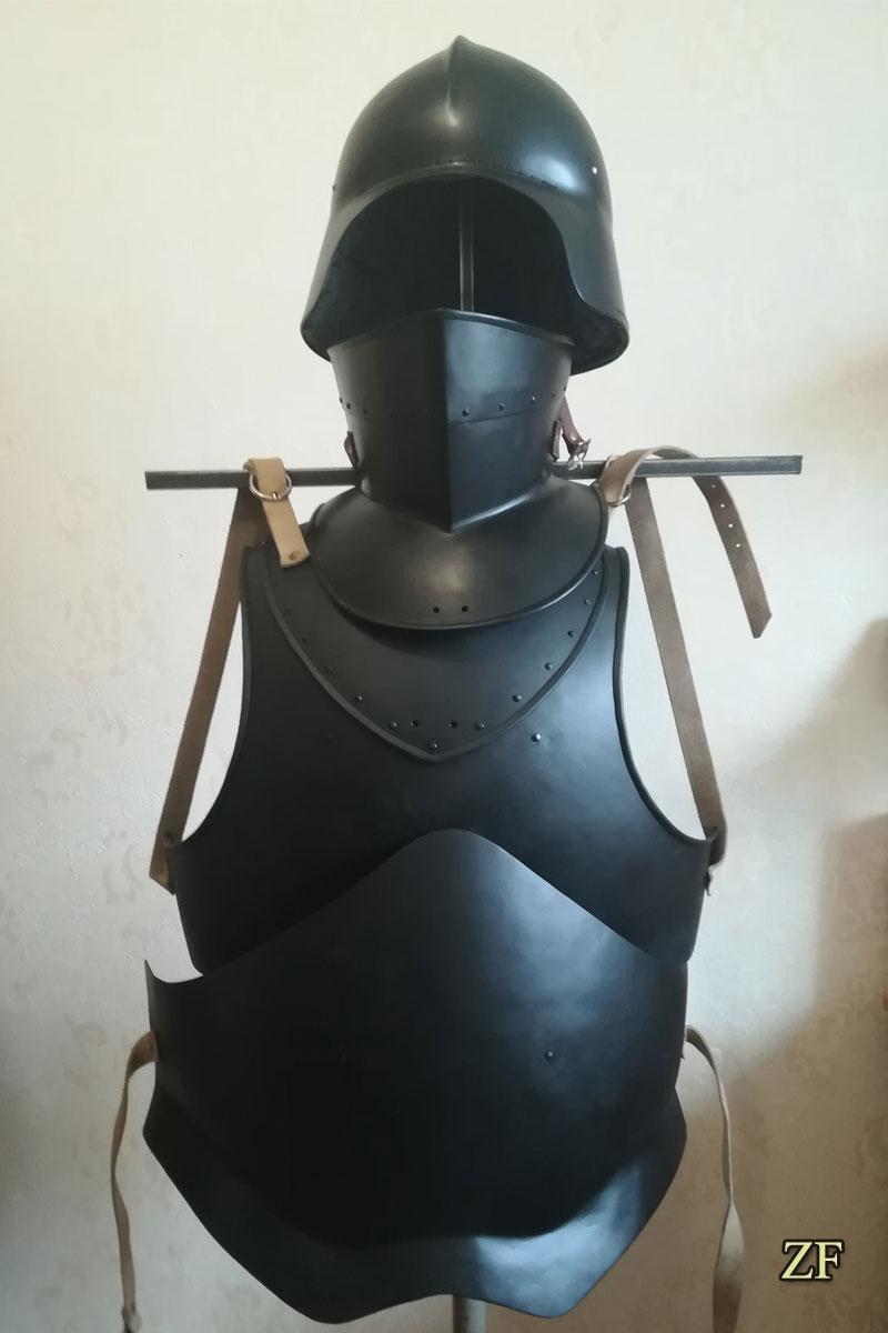 Доспехи нильфгаардской гвардии: салад, горжет, кираса ,Nilfgaardian guardsman armor