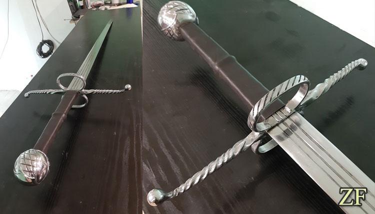 Полутороручный меч с сложной гардой