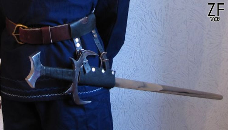 Поясное регулируемое крепление для меча