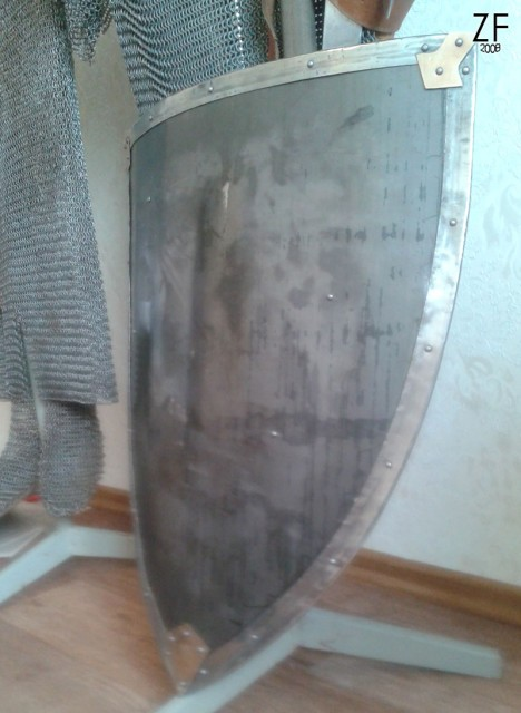 """Металлический рыцарский щит - тарч, мастерская """"Зброевы фальварак"""""""