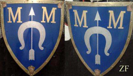 Малый геральдический щит (тарч) с гербом дворянского рода Думиных